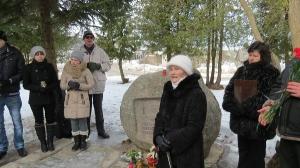Komunistiskā genocīda upuru piemiņas dienas pasākums pie piemiņas akmens_4